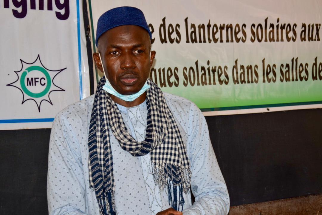 Energie solaire dans les écoles rurales : Ce que fait le Président du Mali-FolkCenter pour accroître les apprentissages