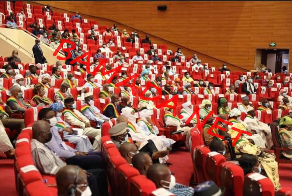 Fonctions du travail parlementaire : Les membres du CNT outillés